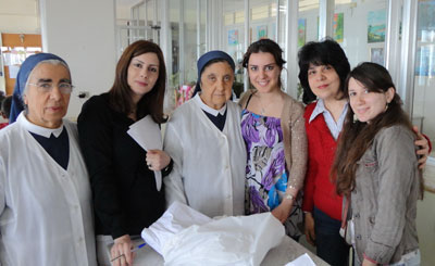 A group of social workers from different Armenian community organizations visited the Psychiatric Hospital of the Cross.